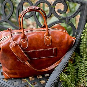 5 Reasons to Purchase a Leather Duffle Bag
