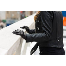 Load image into Gallery viewer, Floto women's cashmere lined black leather gloves