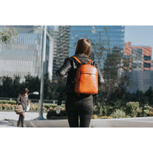Load image into Gallery viewer, Leather Backpack Floto Siena Brown