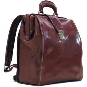 Floto Ciabatta doctor style gladstone backpack angle