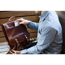 Load image into Gallery viewer, leather backpack floto poste
