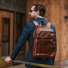Load image into Gallery viewer, Leather Backpack Floto Brown model