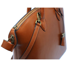 Load image into Gallery viewer, Floto Italian Leather Handbag Women's Tote Bag Romana brown close