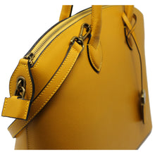 Load image into Gallery viewer, Floto Italian Leather Handbag Women's Tote Bag Romana yellow close