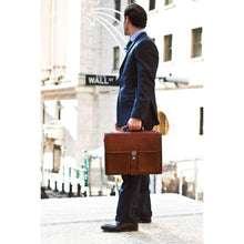 Load image into Gallery viewer, Floto Novella Leather Briefcase