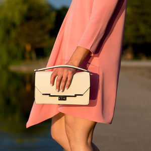 Leather Clutch Floto Firenze in Saffiano - cream model