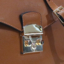 Load image into Gallery viewer, leather crossbody bag floto capri lock
