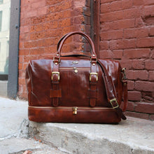 Load image into Gallery viewer, Leather Duffle Bag Floto Drop Bottom Shoe Comparment 3