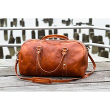 Load image into Gallery viewer, leather duffle bag floto venezia