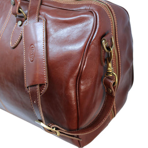 Floto Italian Leather Venezia Duffle Travel Bag Luggage brown close