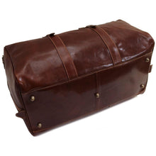Load image into Gallery viewer, Leather Duffle Bag Floto Venezia Grande bottom
