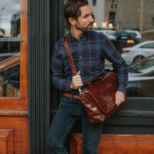 Load image into Gallery viewer, leather messenger bag cross body floto