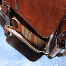 Load image into Gallery viewer, Leather Messenger Bag Floto Roma Roller Buckle pocket