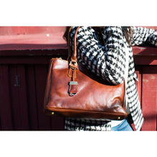Load image into Gallery viewer, leather handbag floto roma satchel