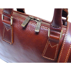 Leather Slim Briefcase Floto Milano close