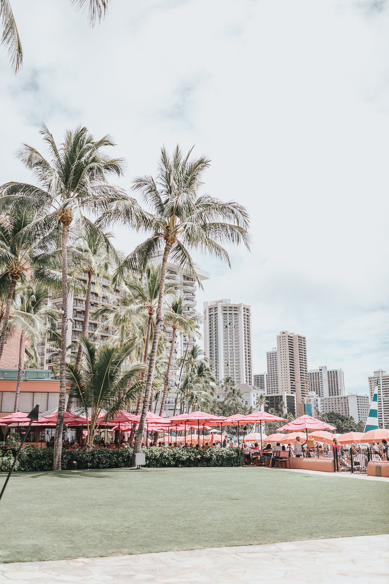 the pink palace - royal hawaiian hotel photoshoot by dreamy presets