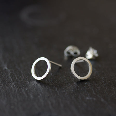 Small circle sterling silver stud earrings