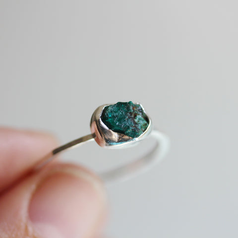 Silver ring with rough Dioptase stone