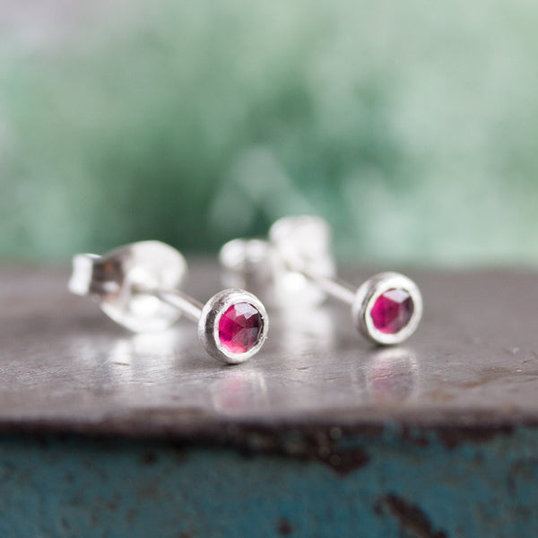 Tiny stud earrings with Rhodolite Garnet stones, sterling silver