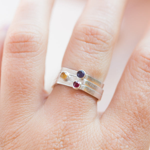 Hexa ring - modern hexagon ring in fine silver with Rhodolite Garnet, Iolite or Citrine gemstone 3mm
