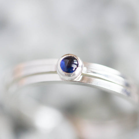 Set of three rings - one Sapphire cabochon ring and two simple bands set3mm