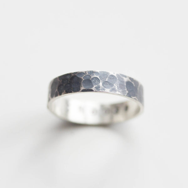 Textured ring with personalized inscription on the inside, 2mm or 4mm band