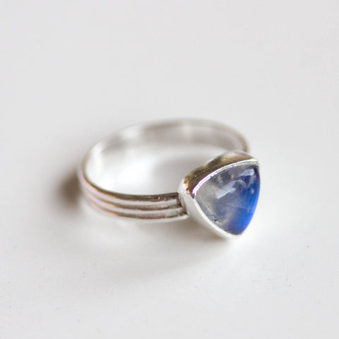 Rainbow moonstone Trillion ring in Sterling Silver