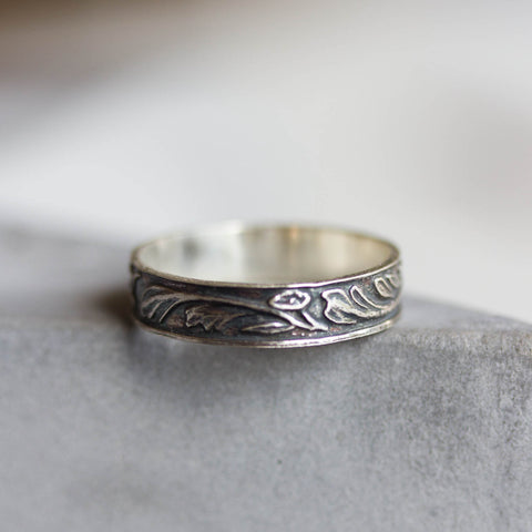 Floral ring - Patterned ring in Sterling silver, oxidized