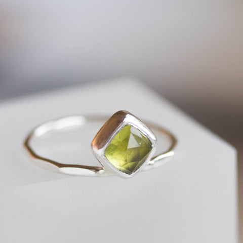 Peridot ring - stackable ring with square Peridot stone