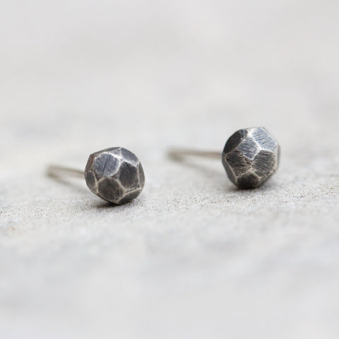 Tiny silver studs - Black fine silver diamonds