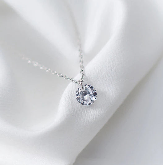 Romantic Round Crystal Pendant Silver Necklace - Nice & Cool