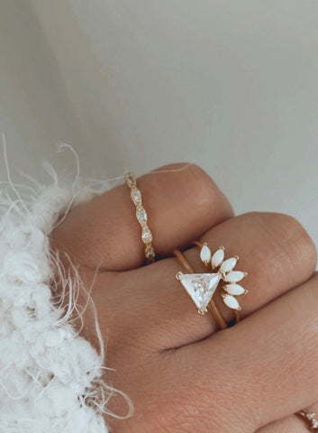 SOLITAIRE TRIANGLE RING
