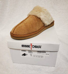 Minnetonka Women's Chesney Slippers, Cinnamon