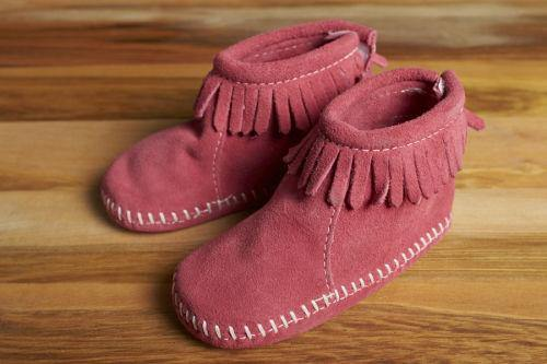 Minnetonka Moccasin Back Flap Baby Bootie, Pink