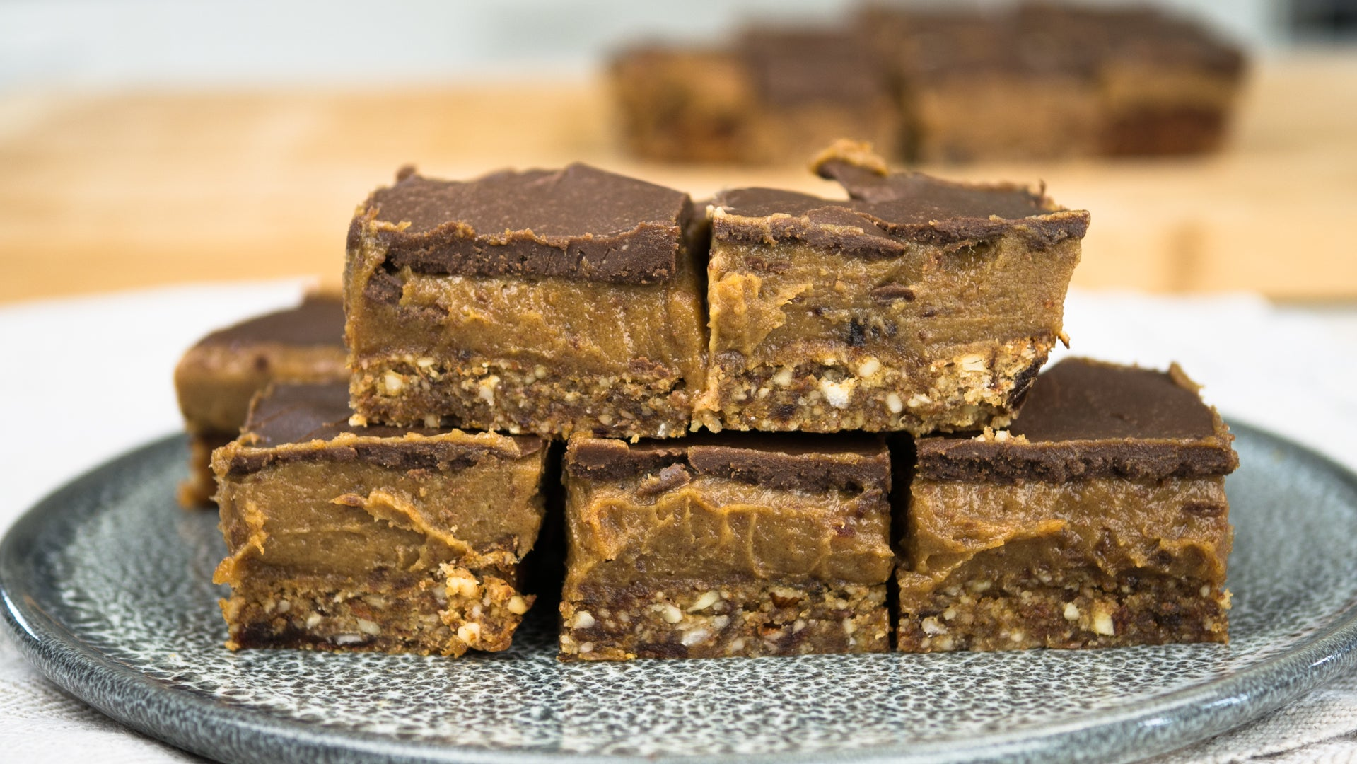 Recipe: Homemade Caramel Slice