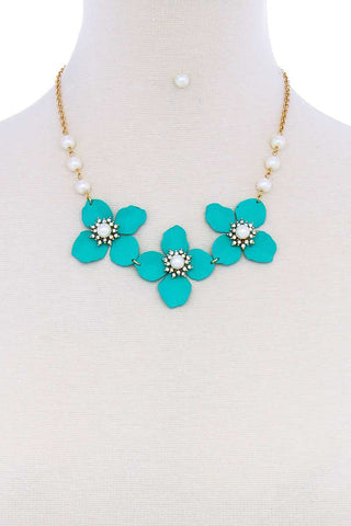 Stylish Flower And Pearl Necklace Set - ThriftyJean