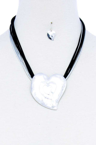 Fashion Triple Heart Pendant Necklace And Earring Set - ThriftyJean