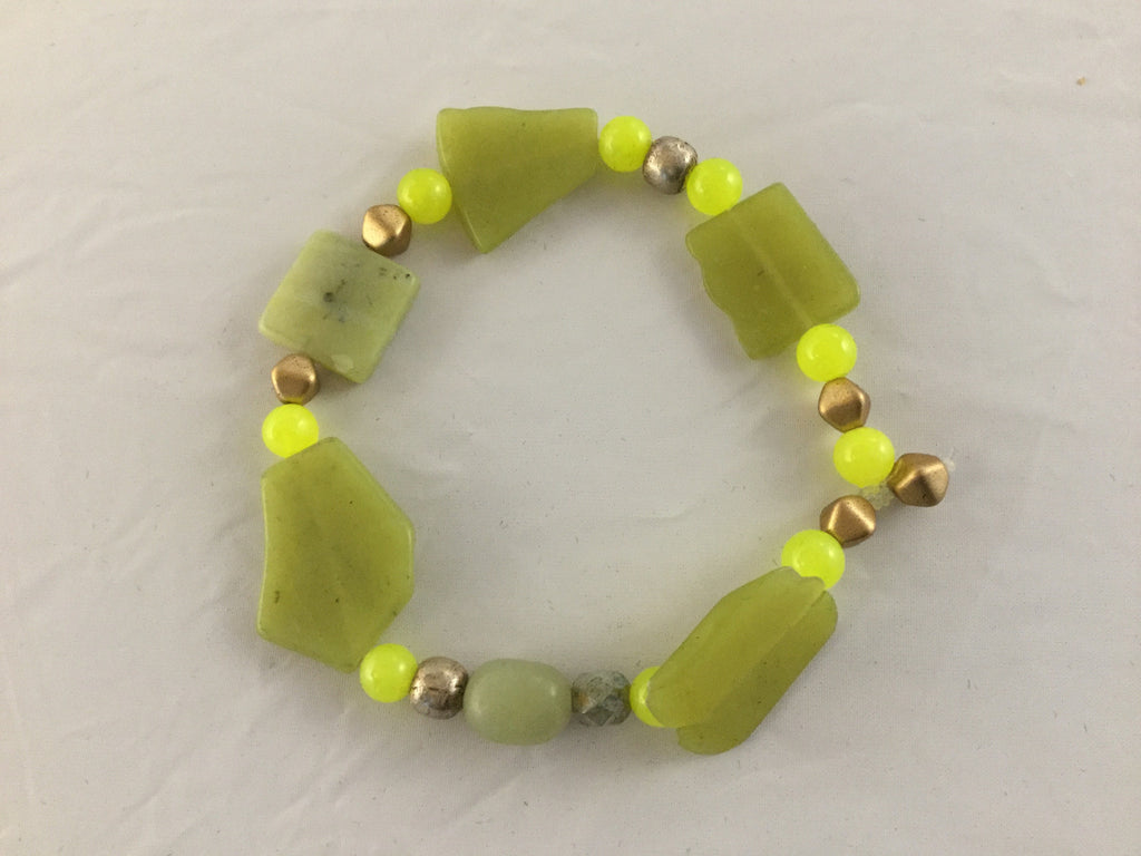 4mm Peridot balls with 25 x 20mm app. flat stones.