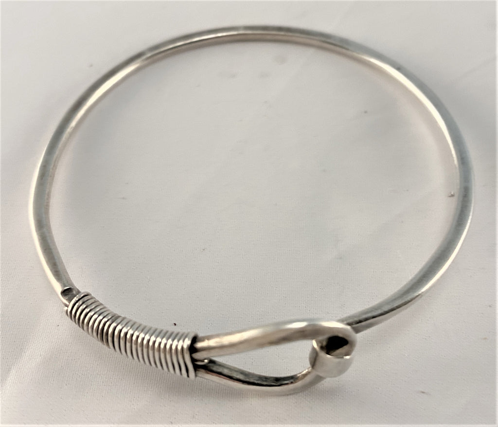 BS54: Sterling Bangle