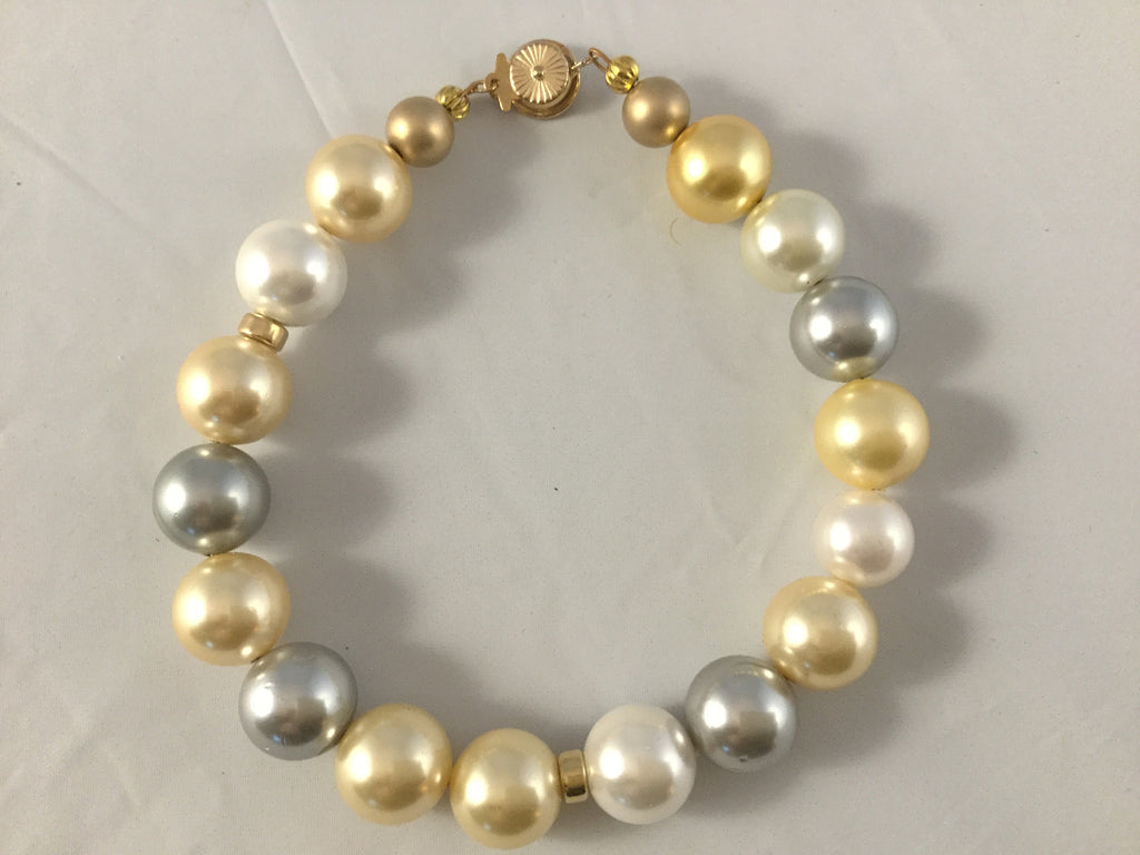 yellow and grey pearl bracelet