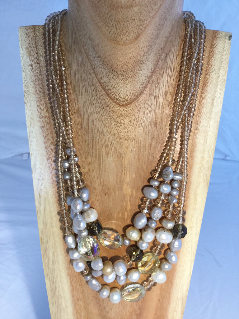 CHAMPAGNE: Cream Pearl Necklace