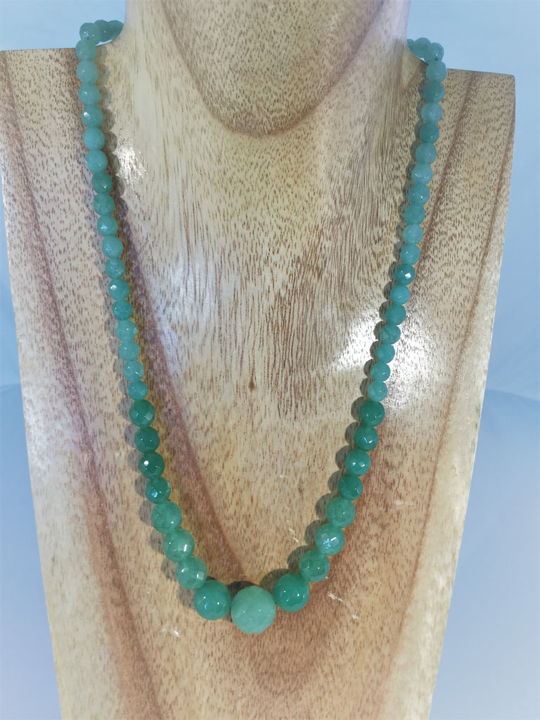 LINDA: faceted pale green emerald necklace