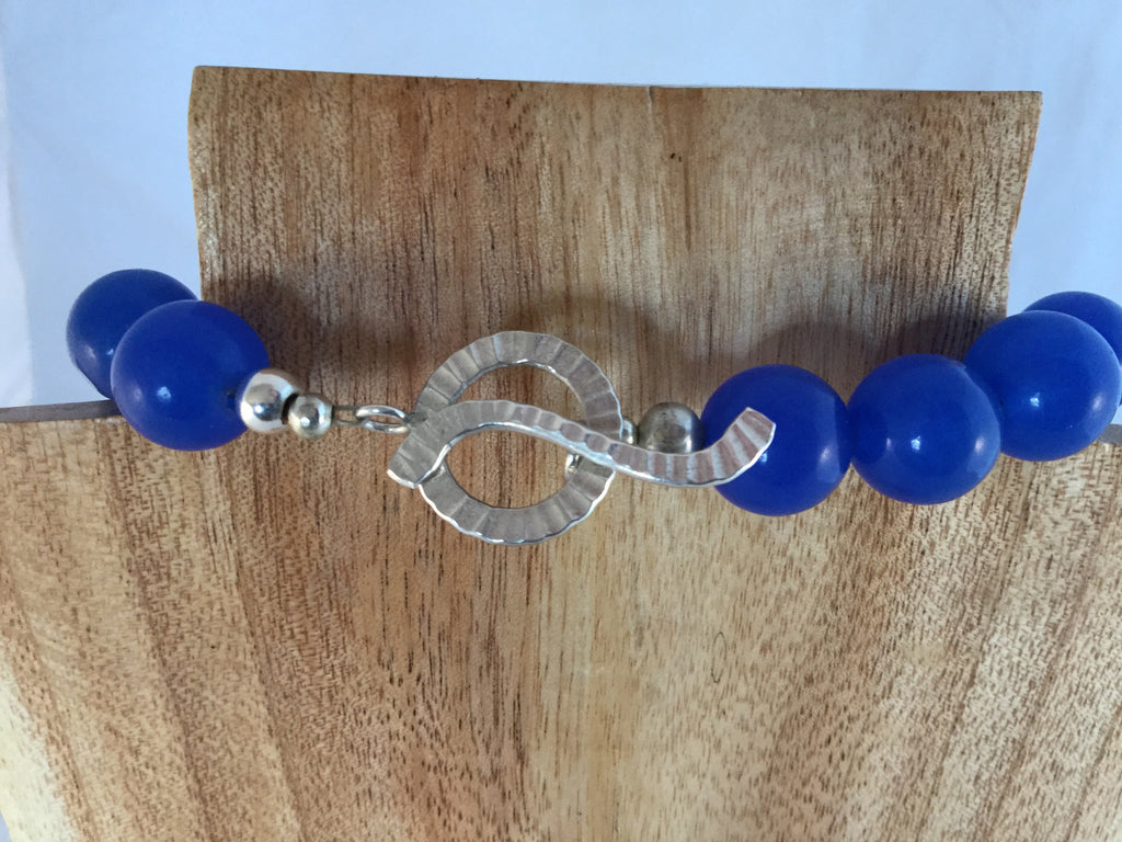 SAPPHIRE: Royal Blue Sapphire and White Pearl Choker