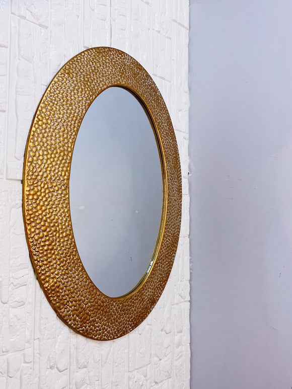 Oval Mirror with Scale Design Frame