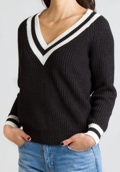 Ella V-neck sweater in Black - Sweater - MadeModern