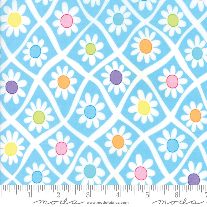 Me & My Sister FROLIC Floral Crazy Daisy Light Blue 22310 11.Priced per 25cm.