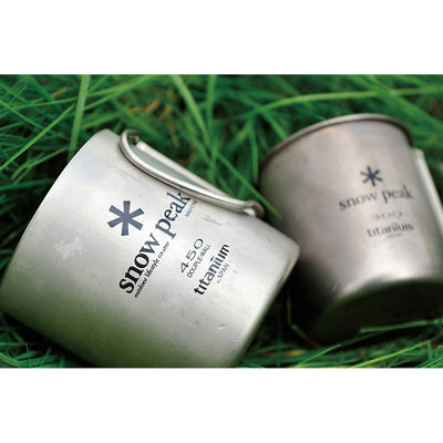 Snow Peak Titanium Double Wall Insulated Mug w/ Folding Handle - Lifestyle 01