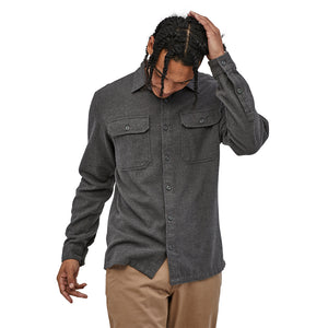 Patagonia Men's Long-Sleeved Fjord Flannel Shirt - Forge Grey - Model 6