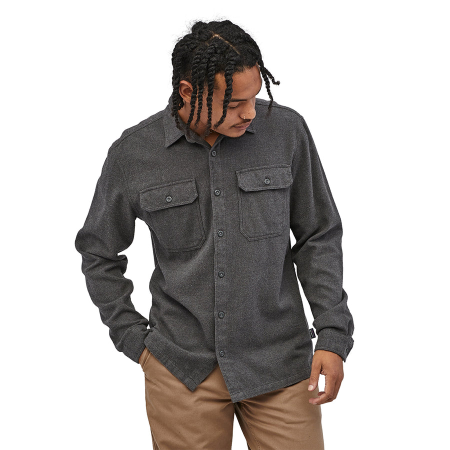 Patagonia Men's Long-Sleeved Fjord Flannel Shirt - Forge Grey - Model 4