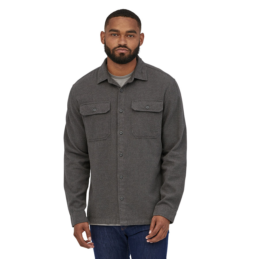 Patagonia Men's Long-Sleeved Fjord Flannel Shirt - Forge Grey - Model 3